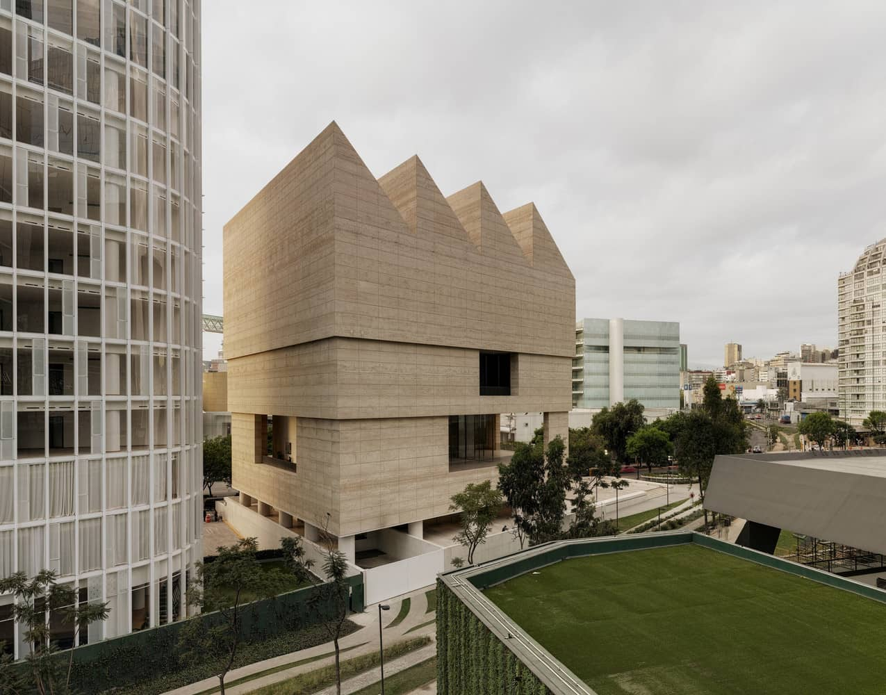 Museo Jumex (a private art collection based in Mexico City, Mexico) / David Chipperfield. Image © Simon Menges
